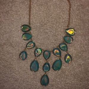 iridescent Teal Accent Necklace and Earring Set